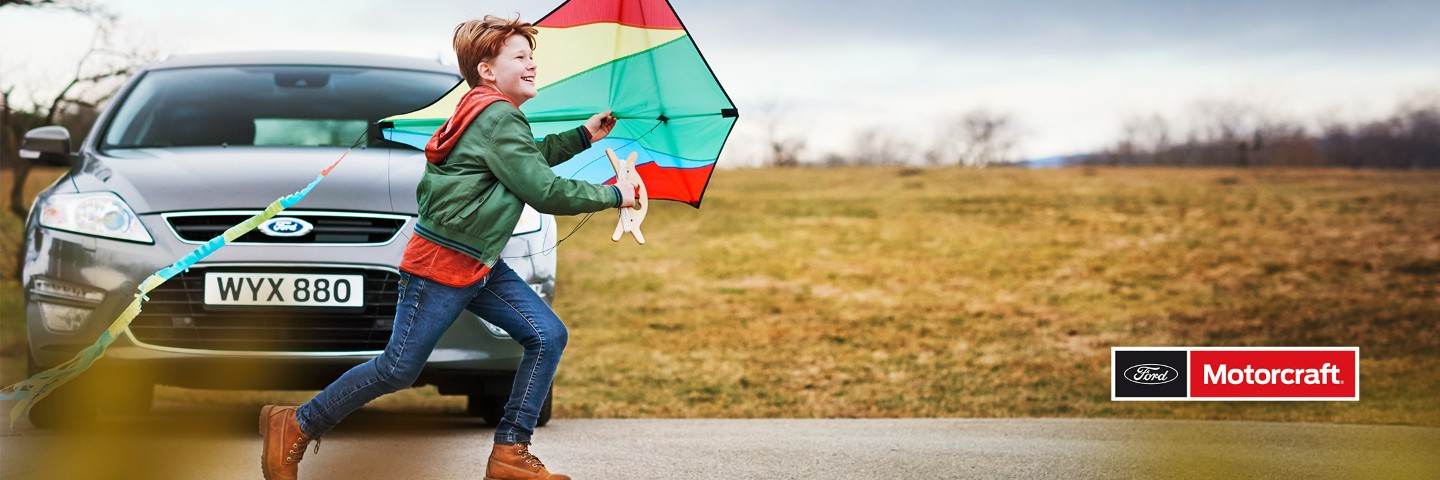 ford-motorcraft-eu-2017_06_autumn-logo_3x1-2160x720-bb-child-playing-with-kite.jpg.jpg.renditions.extra-large